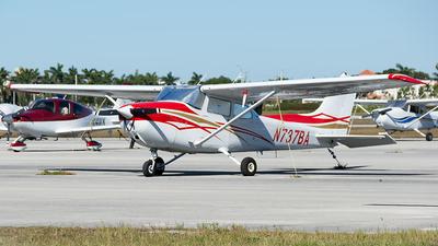 A picture of N737BA - Cessna 172N Skyhawk - [17269281] - © Hector Jose Perestelo