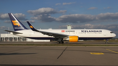 TF-ISP - Boeing 767-319(ER) - Icelandair