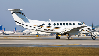 N945SH - Beechcraft B300 King Air 350 - Private
