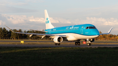 A picture of PHEXK - Embraer E175STD - KLM - © PM