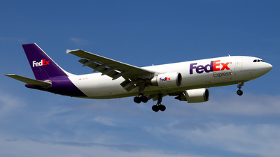 A picture of N671FE - Airbus A300F4605R - FedEx - © Hector Rivera - Puerto Rico Spotter