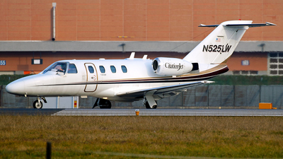 N525LW - Cessna 525 CitationJet 1 - Tita Air