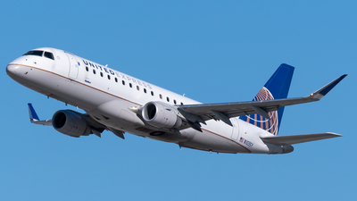 A picture of N103SY - Embraer E175LR - United Airlines - © Ricky Teteris
