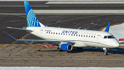 A picture of N619UX - Embraer E175LL - United Airlines - © Watts Brooks