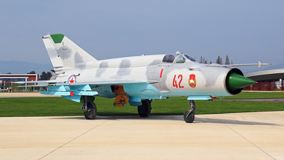 42 - Mikoyan-Gurevich MiG-21 Fishbed - North Korea - Air Force