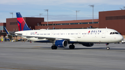 A picture of N346DN - Airbus A321211 - Delta Air Lines - © Michael Rodeback