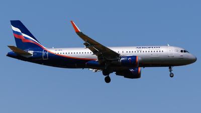 A picture of VPBFE - Airbus A320214 - Aeroflot - © George Chaidaris