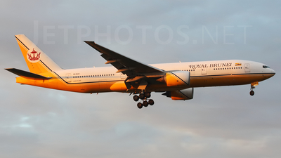V8-BLB - Boeing 777-212(ER) - Royal Brunei Airlines