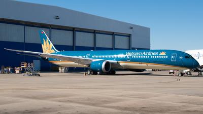 VN-A876 - Boeing 787-10 Dreamliner - Vietnam Airlines