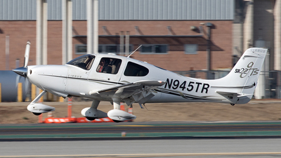 N945TR - Cirrus SR22 - Private