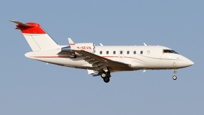 M-SEVN - Bombardier CL-600-2B16 Challenger 605 - Private