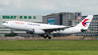 B-6537 - Airbus A330-243 - China Eastern Airlines