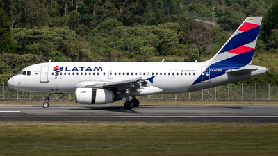 A picture of CCCPQ - Airbus A319132 - LATAM Airlines - © Sergio Guevara