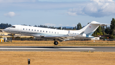 C-GLXM - Bombardier BD-700-1A10 Global Express - Skyservice Business Aviation
