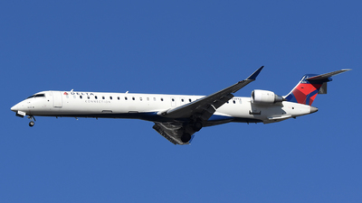 A picture of N292PQ - Mitsubishi CRJ900LR - Delta Air Lines - © DJ Reed - OPShots Photo Team