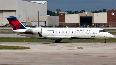 A picture of N886AS - Mitsubishi CRJ200LR - Delta Air Lines - © HAOFENG YU