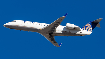 A picture of N929SW - Mitsubishi CRJ200LR - United Airlines - © Brandon Giacomin