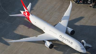 VH-ZNM - Boeing 787-9 Dreamliner - Qantas