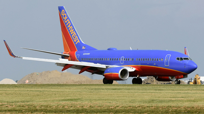 N296WN - Boeing 737-7H4 - Southwest Airlines