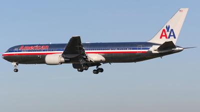 N369AA - Boeing 767-323(ER) - American Airlines