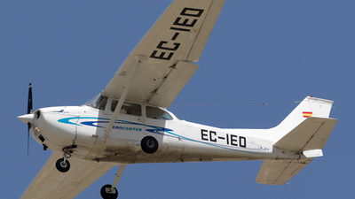 EC-IEO - Cessna 172M Skyhawk - Aerocenter