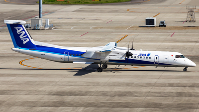JA852A - Bombardier Dash 8-Q402 - ANA Wings