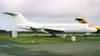 SE-DGP - Fokker F28-4000 Fellowship - Untitled