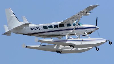 N1213S - Cessna 208 Caravan - Private
