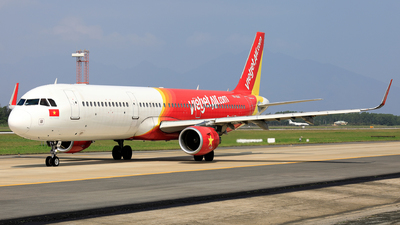 A picture of VNA641 - Airbus A321211 - VietJet Air - © photogiap