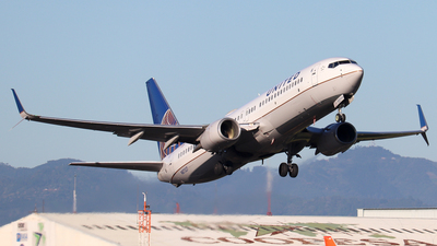 A picture of N87527 - Boeing 737824 - United Airlines - © Kenneth Mora Flores KMF777