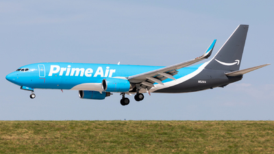 N5261A - Boeing 737-83N(BCF) - Amazon Prime Air (Sun Country Airlines)