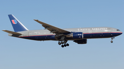 N227UA - Boeing 777-222(ER) - United Airlines
