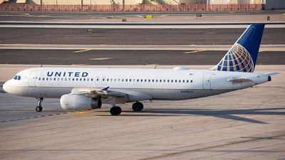 A picture of N408UA - Airbus A320232 - United Airlines - © Alexander Owen