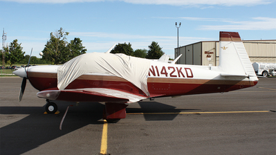 N142KD - Mooney M20J - Private