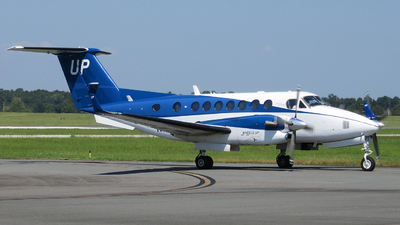 N828UP - Beechcraft B300 King Air 350i - Wheels Up