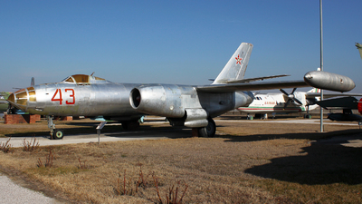 43 - Ilyushin IL-28R Beagle - Bulgaria - Air Force