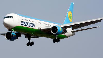 A picture of UK67006 - Boeing 76733P(ER) - Uzbekistan Airways - © Fedor Kabanov