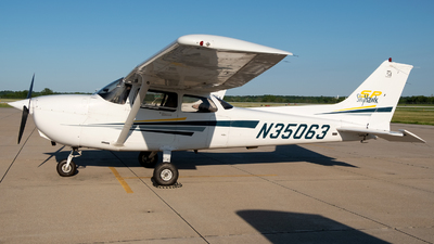 N35063 - Cessna 172S Skyhawk SP - Private
