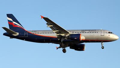 VP-BRZ - Airbus A320-214 - Aeroflot