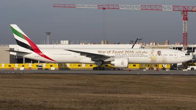 A6-EPP - Boeing 777-31HER - Emirates