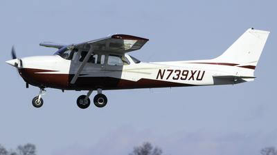 A picture of N739XU - Cessna 172N Skyhawk - [17270896] - © nicholastoto