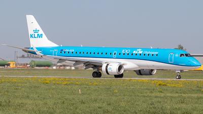 A picture of PHEZB - Embraer E190STD - KLM - © Niklas Engel