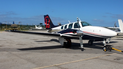 ZS-LYN - Beechcraft 58 Baron - Private