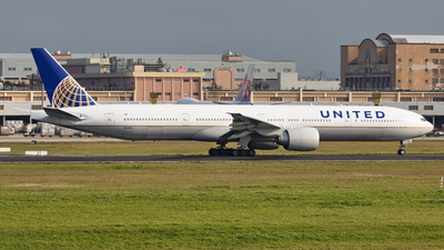 A picture of N2645U - Boeing 777322(ER) - United Airlines - © TY-CHEN