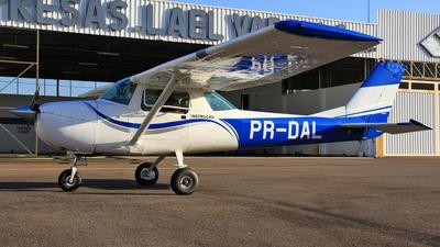 PR-DAL - Cessna 150G - MG Escola de Aviação