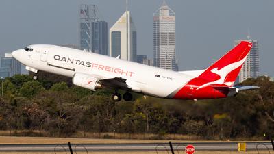 A picture of VHXML - Boeing 737376(SF) - Qantas - © Joel Baverstock