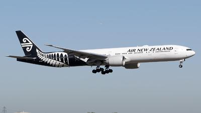 ZK-OKS - Boeing 777-319ER - Air New Zealand