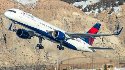 N6713Y - Boeing 757-232 - Delta Air Lines
