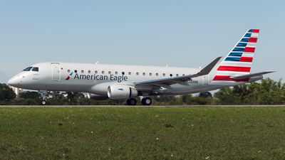 A picture of N288NN - Embraer ERJ175LR - American Airlines - © Fernando Augusto Garcia Júnior