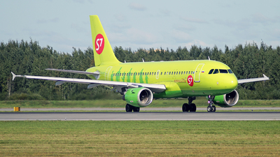 VP-BTT - Airbus A319-114 - S7 Airlines